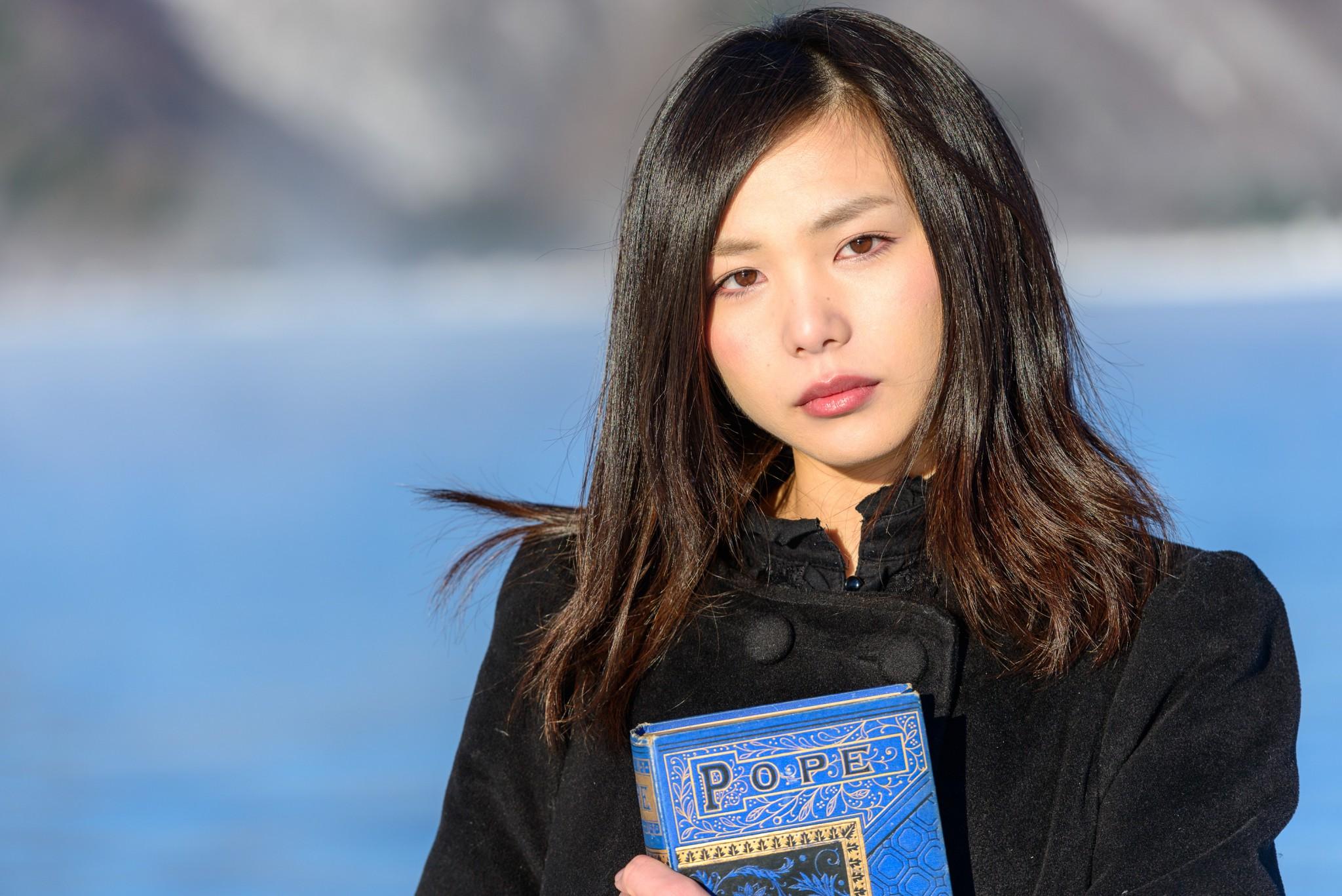 Model: Chiemi_Kuroki, Books: